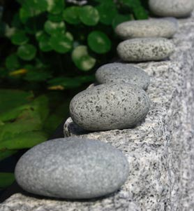 right-rounded-stones